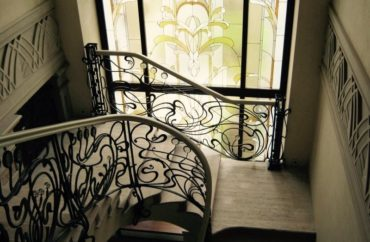 Choosing the best designs for your interior railings